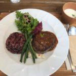 ホテルのハンバーグワンプレートランチ【LISTEN FOOD CAFE】